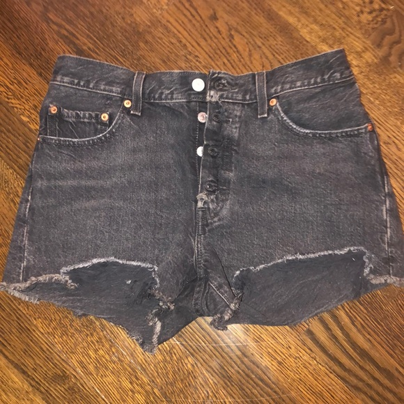Levi's butterfly shorts